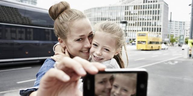 o-SMARTPHONE-PARENTS-facebook.jpg