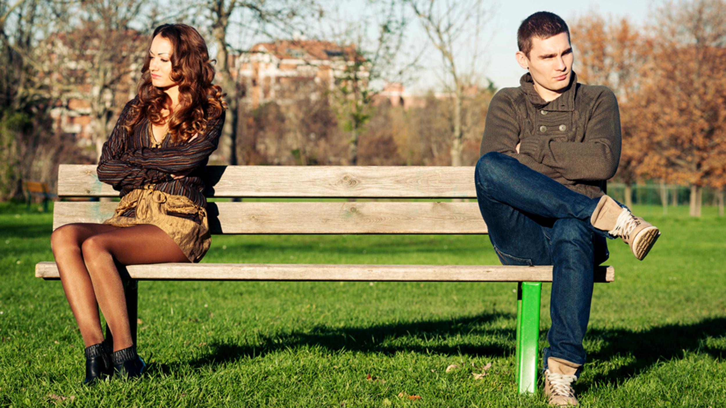 angry-upset-couple-stock-today-150722-tease_e5a7724f858728ecd9409155de658d62.jpg