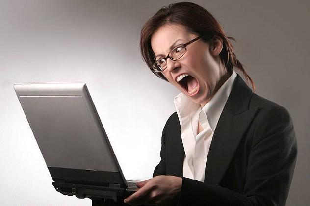angry_woman_computer-620x412.jpg