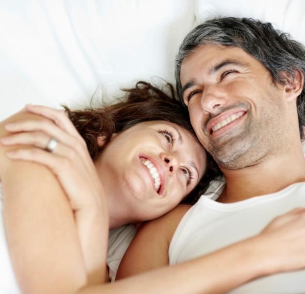 happy-couple-in-bed-1024x987.jpg
