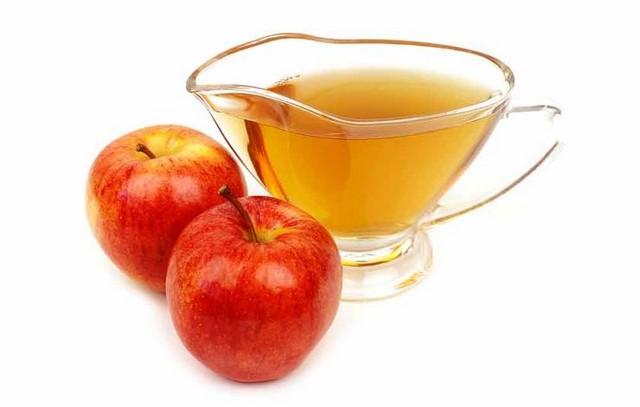 shutterstock_520960807-apple-cider-vinegar-kellyreekolibry.jpg
