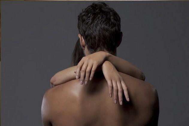 Naked-man-from-behind-595221.jpg