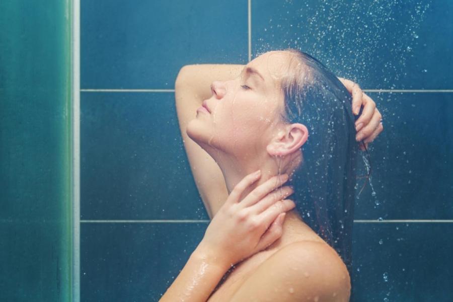 01-shower-shutterstock_134865533-carol.anne_-1024x683.jpg