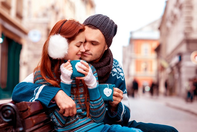 Romance-Couple-in-Love-Drinking-Images.jpg