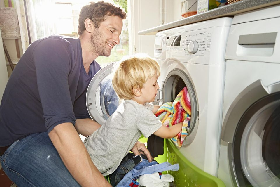 child-doing-laundry-59590c945f9b58843f49ad8f.jpg