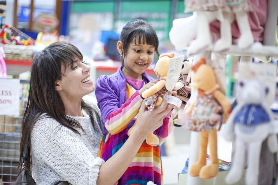 mother-and-daughter-shopping-595914a23df78c4eb6c0efa0.jpg