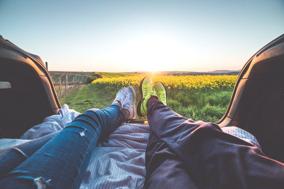 couple-travel.jpeg