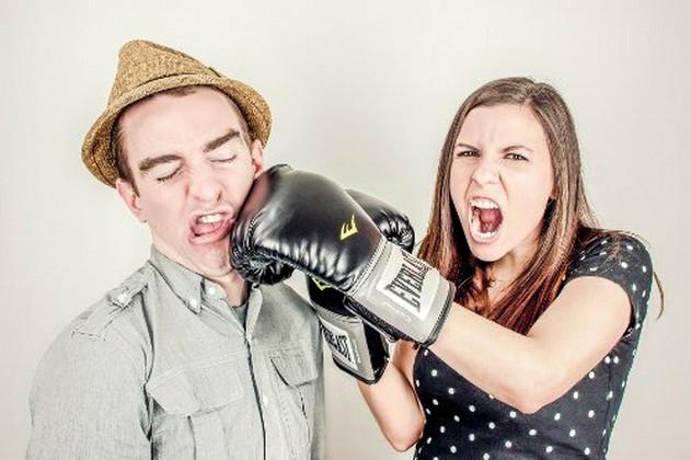 girlfriend-and-boyfriend-fight.jpg
