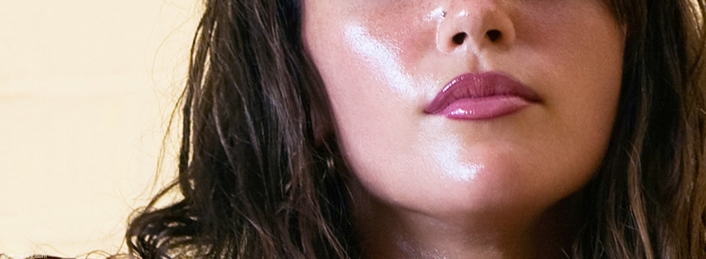 5-Foods-To-Eat-5-Foods-Not-To-Eat-For-Oily-Skin-1.jpg