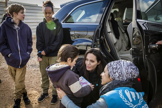 angelina-jolie-takes-children-syrian-refugee-camp-01.jpg