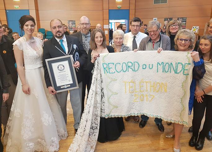 Longest-wedding-dress-train-certificate-presentation_tcm25-506096.jpg