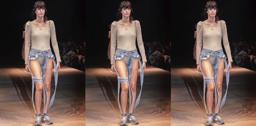 naked-thong-jeans-11.jpg