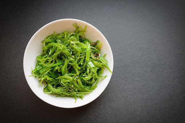 seaweed-asian-ingredient-in-beauty-routine.jpg