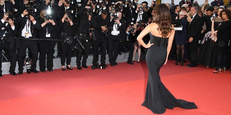 hbz-black-gown-red-carpet-1513281441.jpg