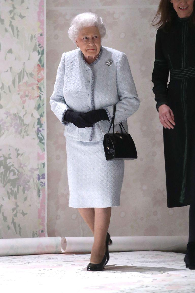 queen-suit-1519145650.jpg
