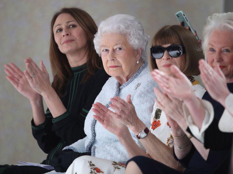 queen-fashionn-week-1519145004.jpg