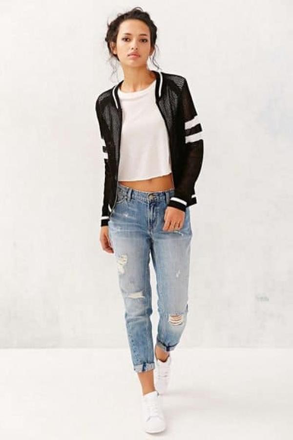 Boyfriend-jeans-with-bomber-400x600.jpg