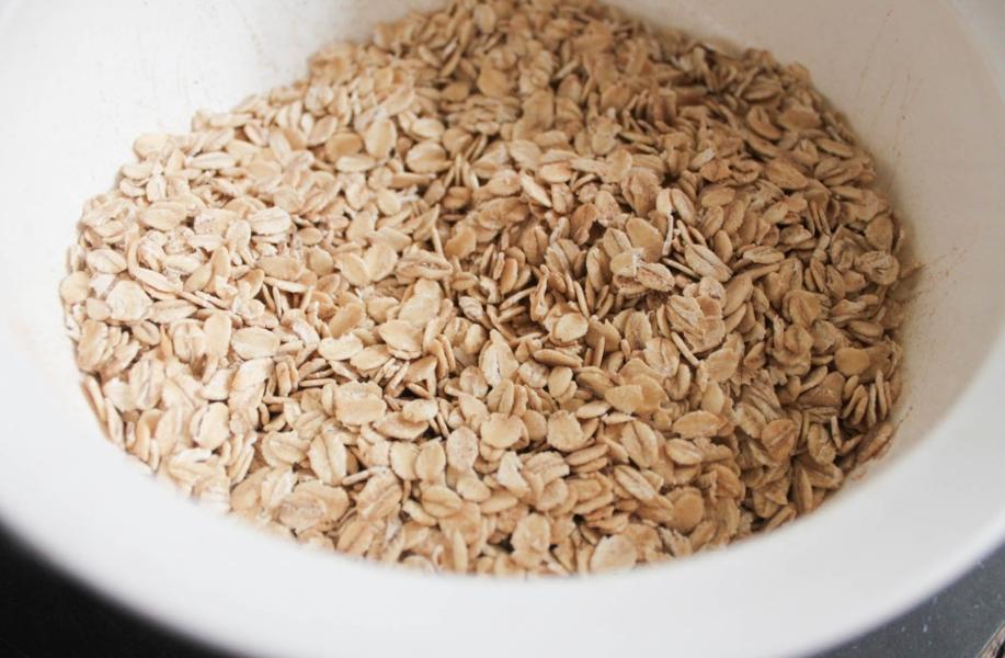 gluten-free-blueberry-banana-baked-oatmeal-bites-step-2.jpg