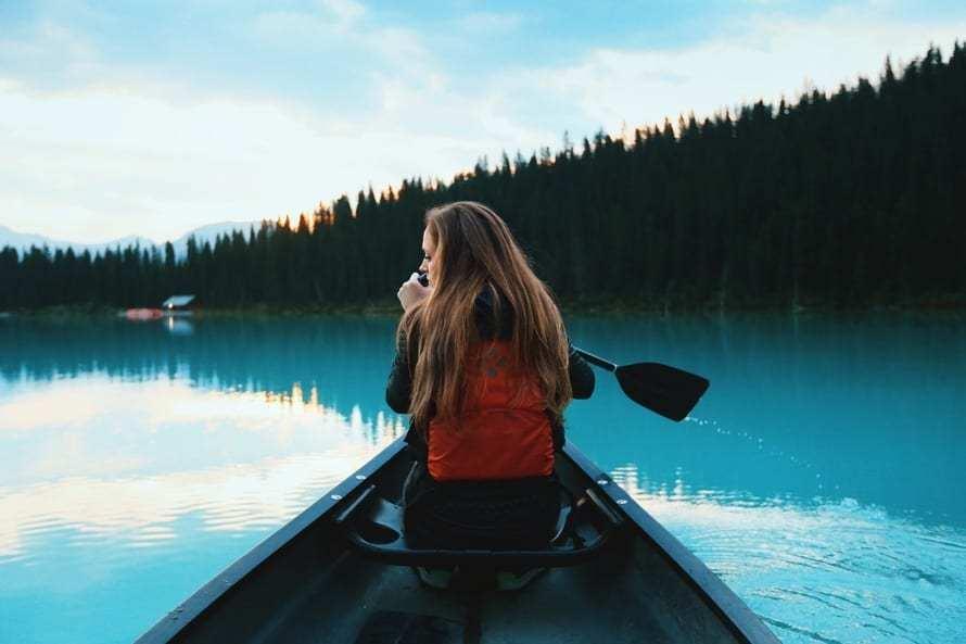 kayak-turku-archipelago-min.jpg