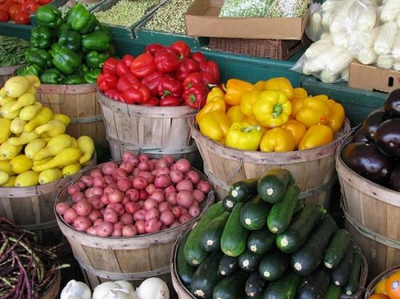 3293705-farmers-market-veggies-1467385537-650-3c1b4553d9-1485116438.jpg
