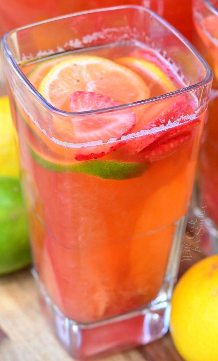 Homemade-Strawberry-Lemon-Lime-Lemonade-5.jpg
