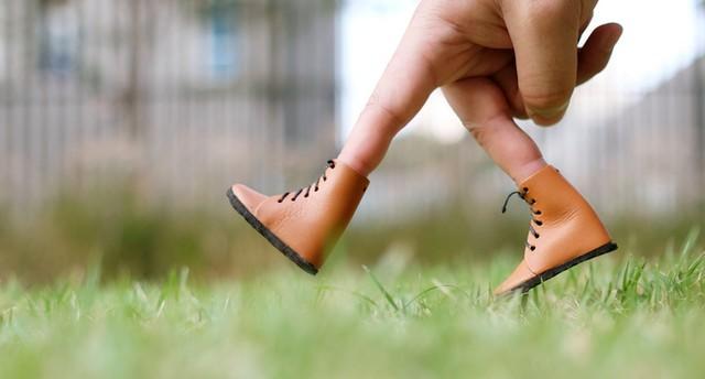 walking_fingers.jpg