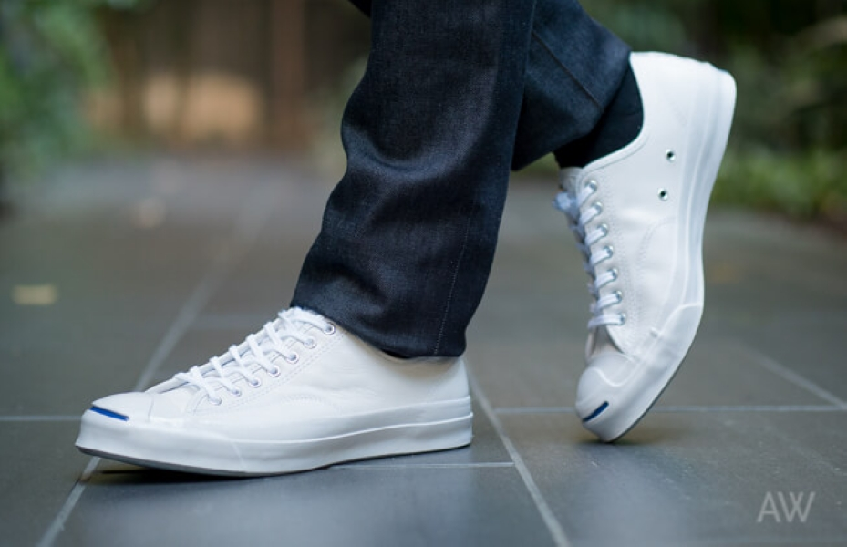 White-Sneakers-Ashley-Weston-Mens-Wardrobe-EssentialsHeader.jpg