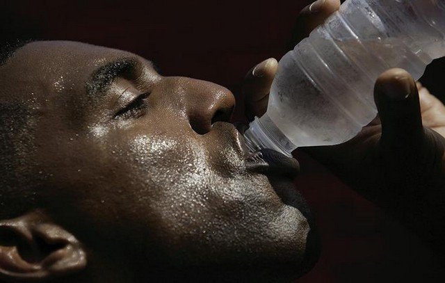 drinking_water_gett7_72325.jpg