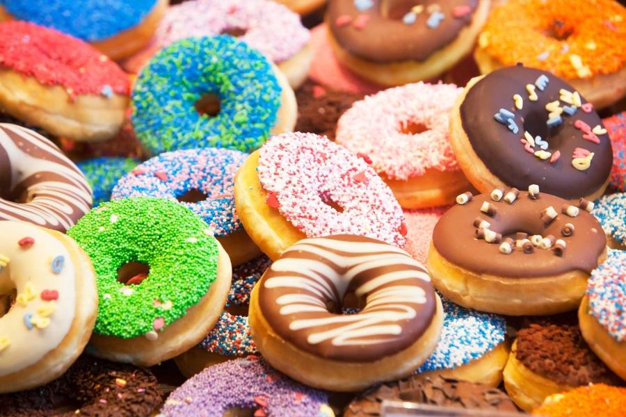 01_foods_make_cold_flu_worse_sweets_Peter-de-Kievith.jpg