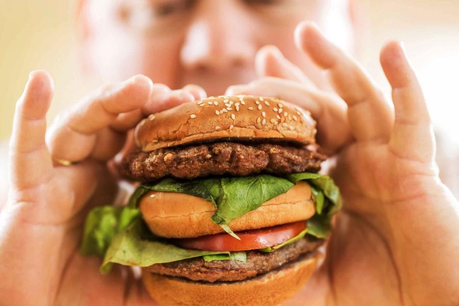 02-fatty-liver-disease-binge-eat.jpg