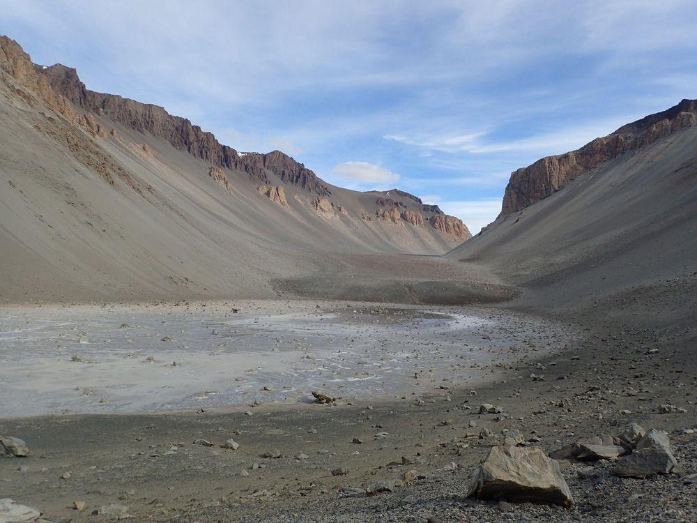 Don-Juan-Pond-Antarctica.jpg.1000x0_q80_crop-smart.jpg