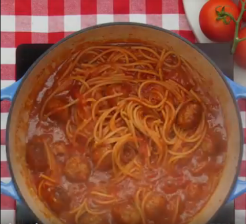 Screenshot-2018-3-5 One Pot Spaghetti Meatballs - YouTube(4).png