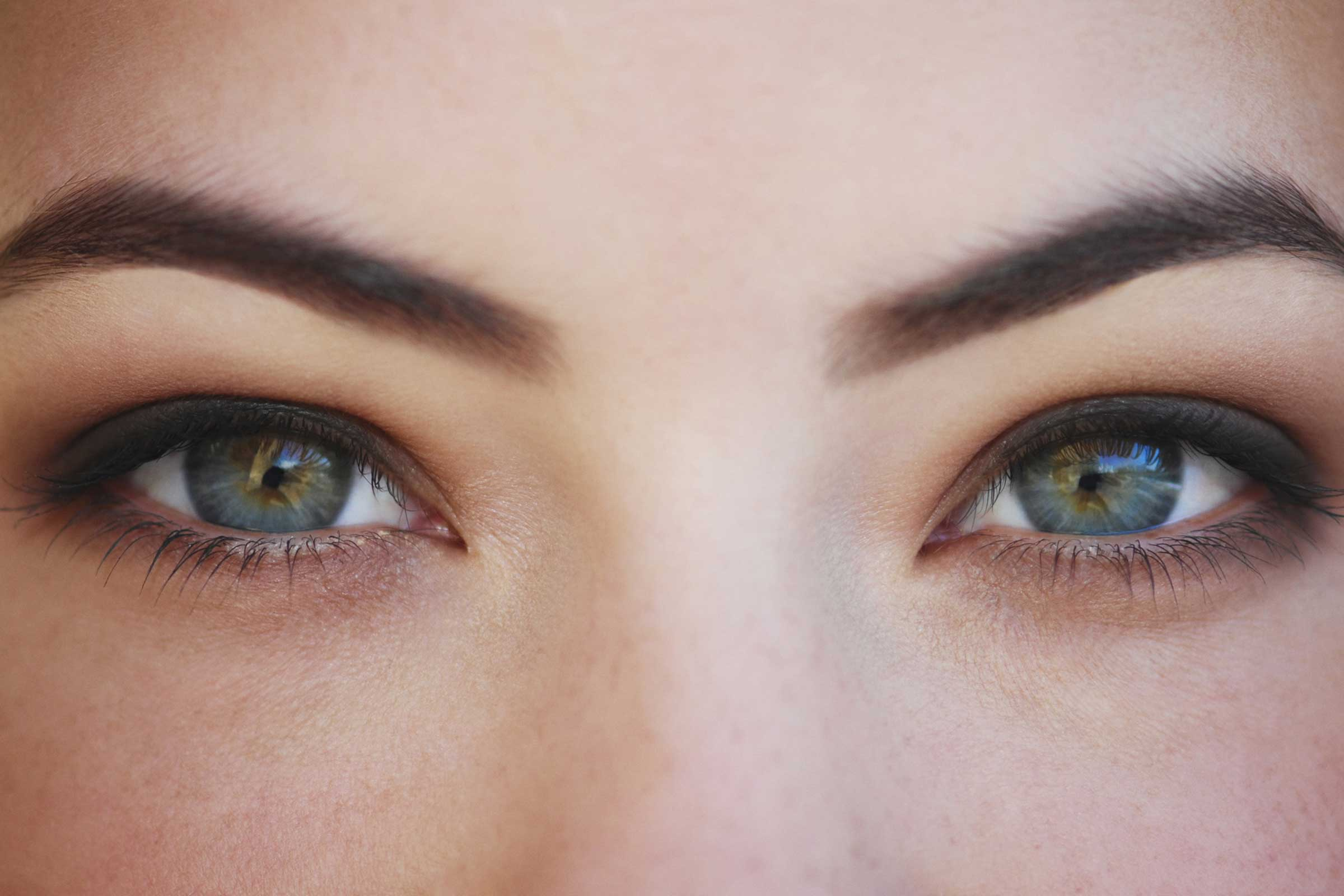 06-Little-Body-Changes-that-Reveal-a-Lot-About-Your-Health-brows-157504068_EmmaKStudio.jpg