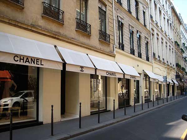 Avenue-Montaigne-Paris-France.jpg