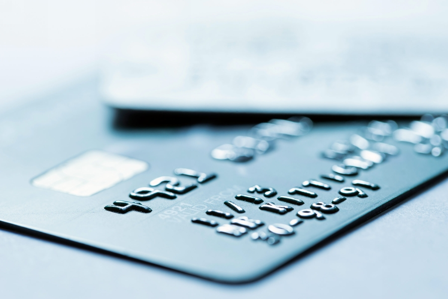 09-first-aid-kit-credit-card.jpg