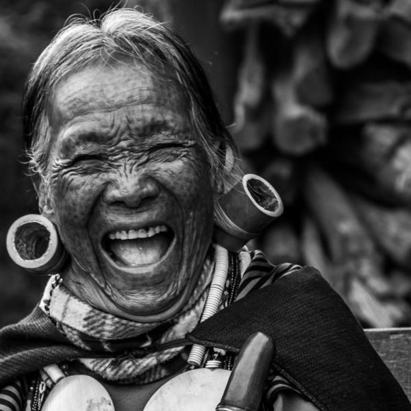 myanmar-chin-tribe-portraits-black-and-white-8.jpg