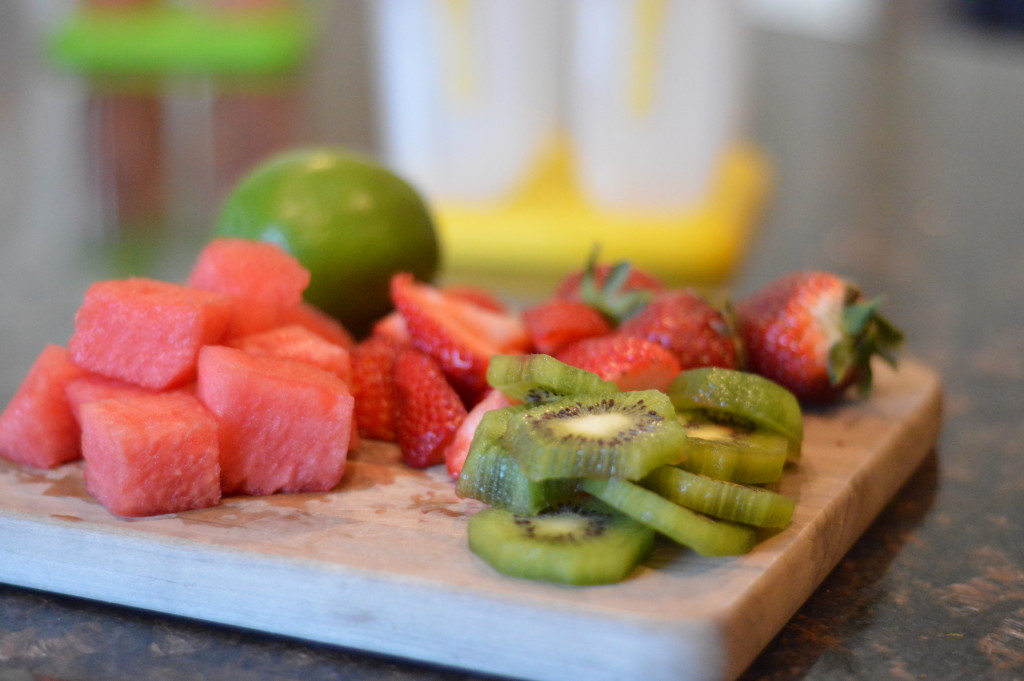 Strawberry-Kiwi-Watermelon-Popsicles-1-1024x681.jpg