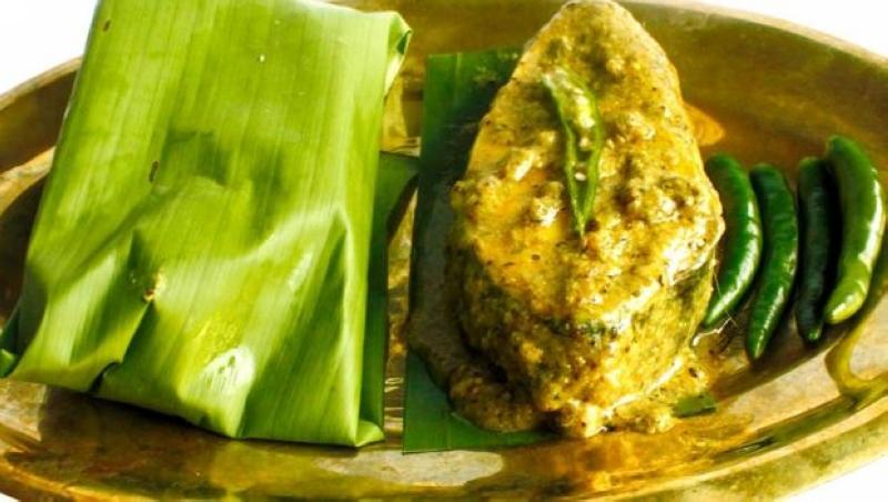 macher-paturi-bengali_620x350_41497522091.jpg
