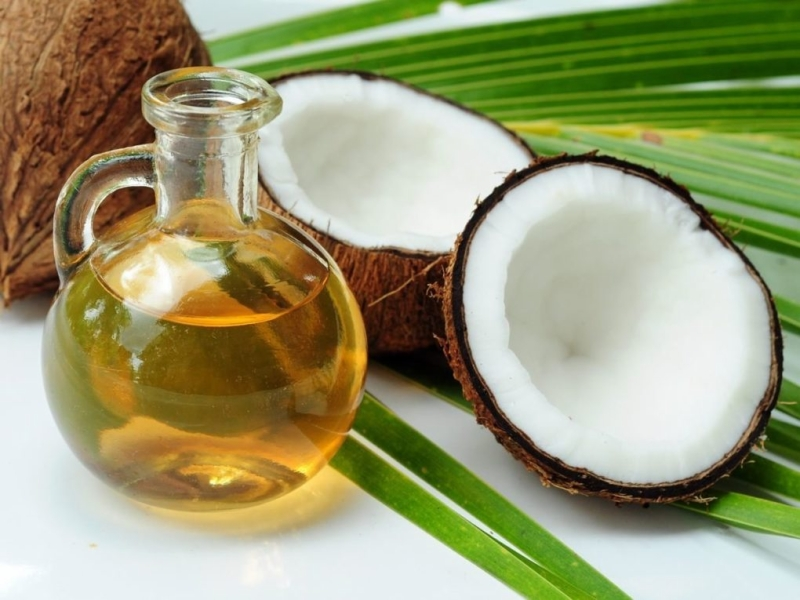 Coconut-and-Coconut-Oil-1020x765.jpg