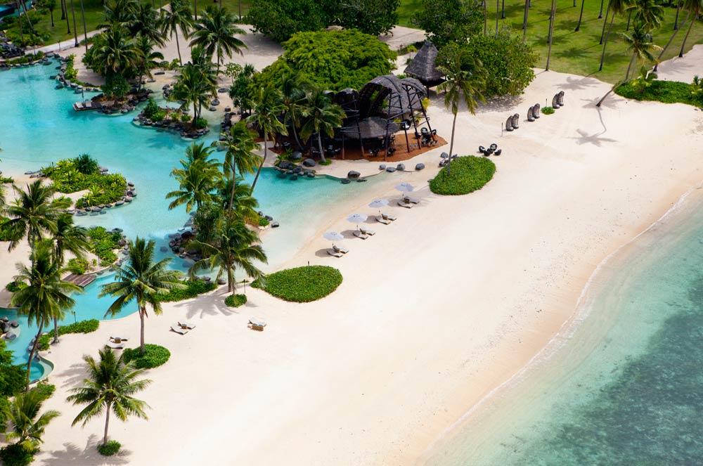 Laucala-BeachBarGALLERYSpecial.jpg
