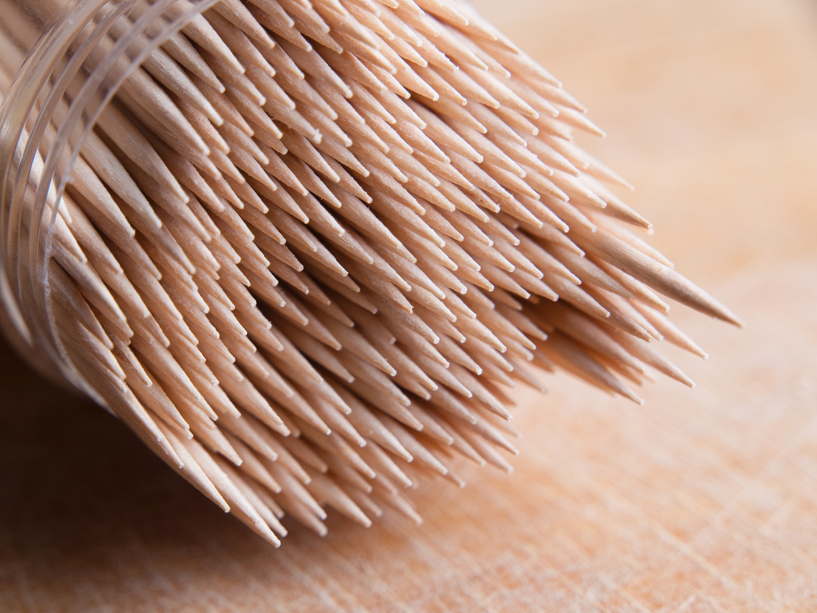 15-10-Are-Toothpick-Safe_65233854.jpg