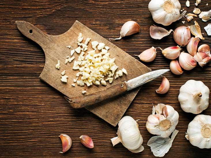 AN540-garlic-cutting-board-732x549-Thumb.jpg