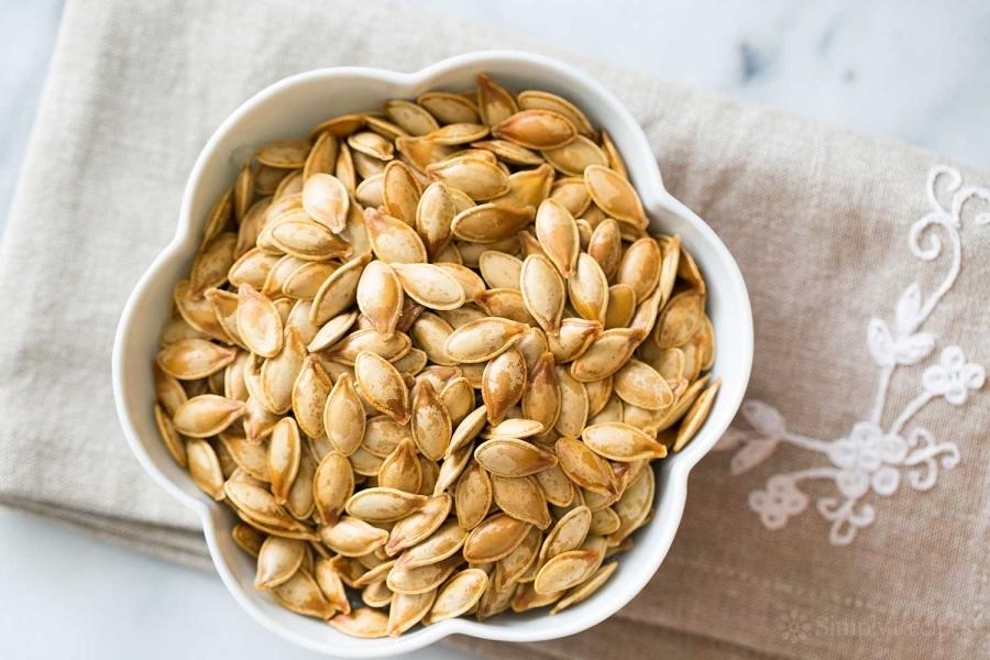 roasted-pumpkin-seeds-horiz-a-1500.jpg