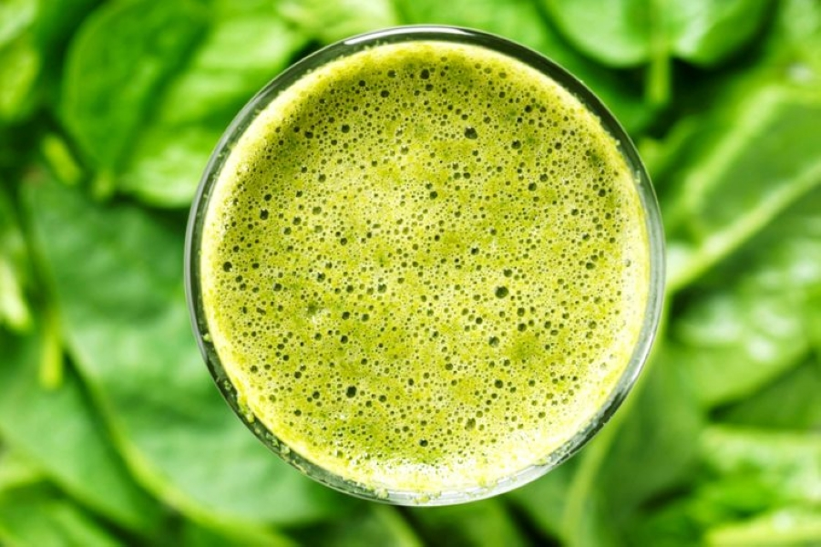 03-green-juice-Superfoods-That-Can-Make-You-Gain-Weight_426243934-SherSor-760x506.jpg