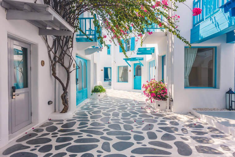 04_Mykonos_Trending-Destinations-for-Women-Traveling-Solo_376092106_Stockforlife-760x506.jpg