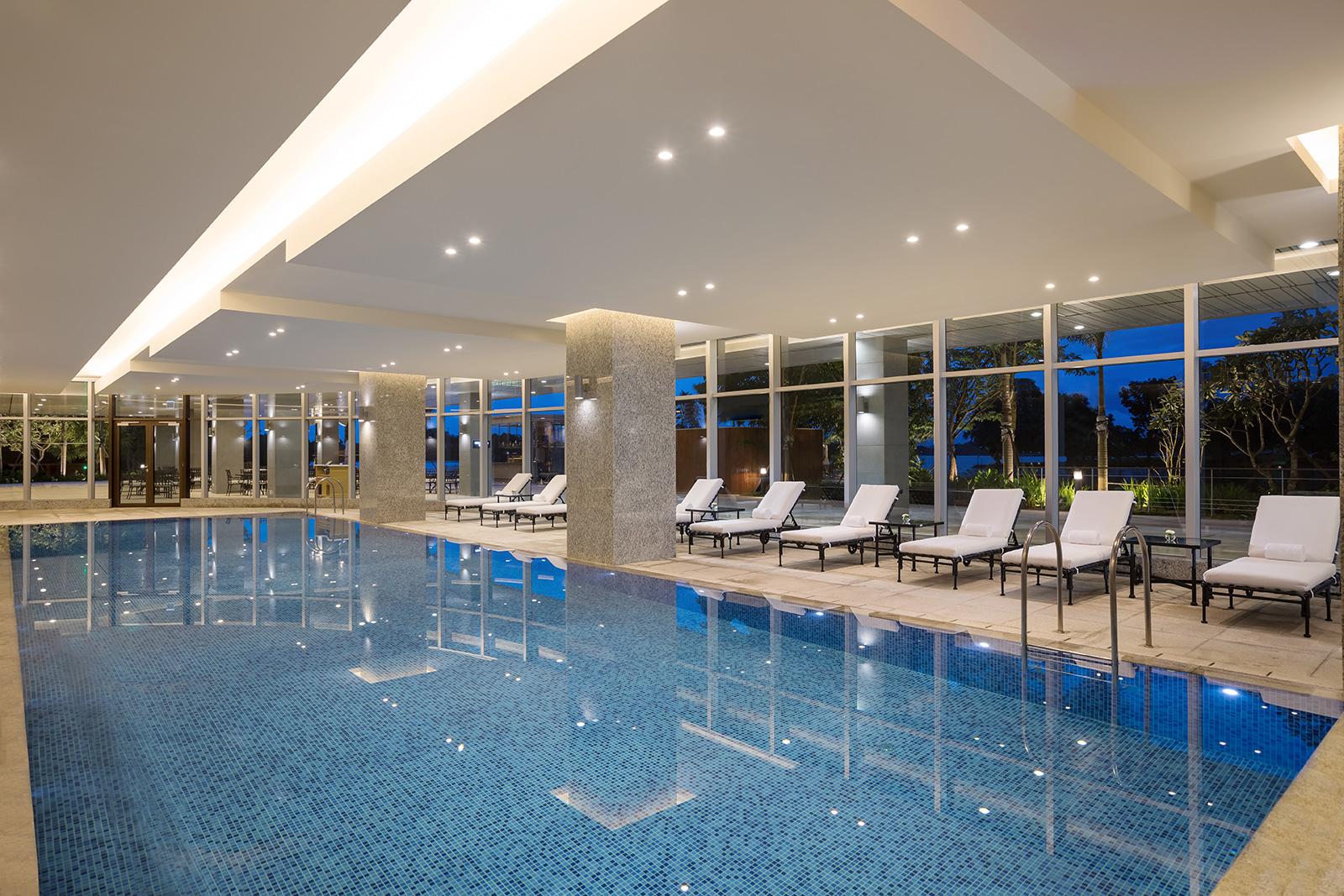 Indoor_Pool-03.jpg