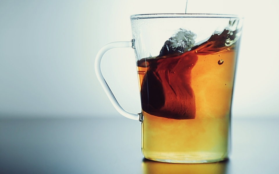 closeup-artistic-studio-tea-bag-wide.jpg