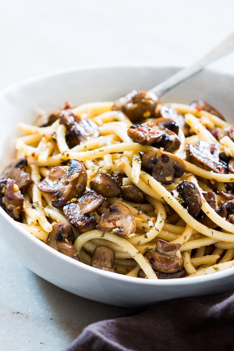15-minute-mushroom-spaghetti-aglio-olio.1024x1024-2.jpg