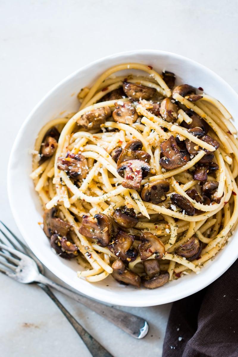 15-minute-mushroom-spaghetti-aglio-olio.1024x1024-4.jpg