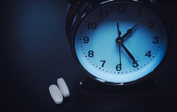 worst-things-to-do-cant-sleep-sleeping-pills.jpg